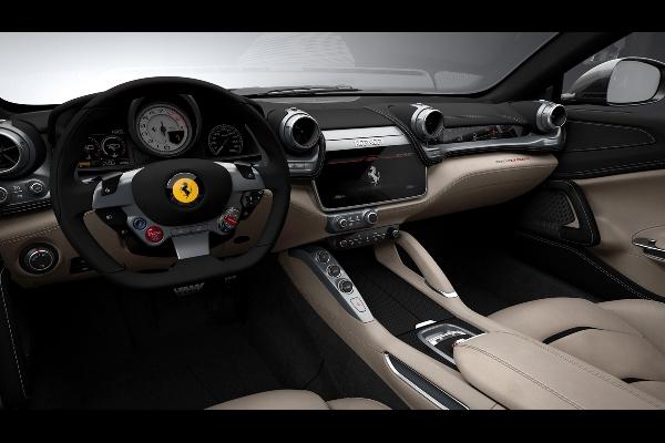 2016 Noul Ferrari GTC4Lusso foto interior