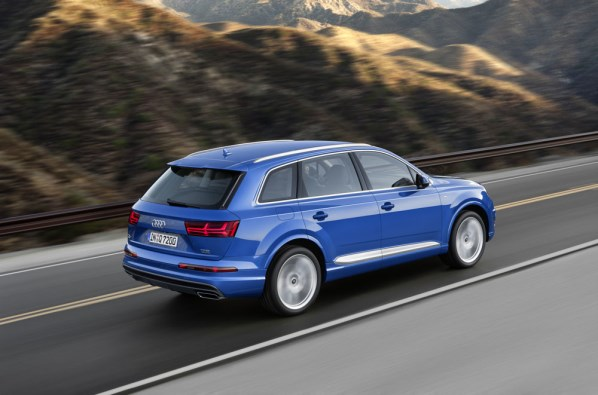Audi Q7 2015 lateral