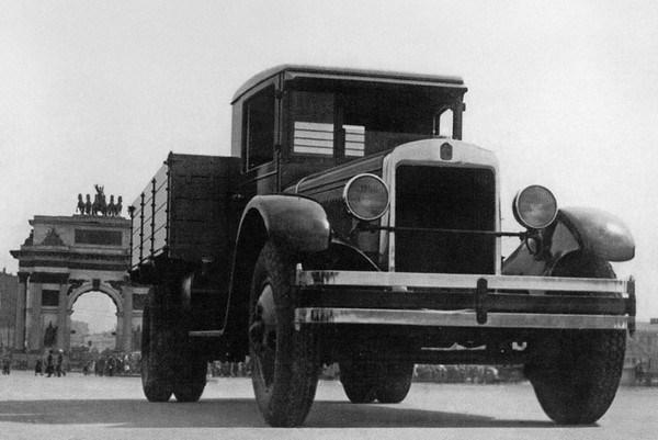 Camioane rusesti si sovietice ZIS 5