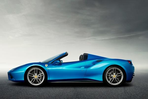 Cel mai puternic Ferrari decapotabil - 488 Spider imagini