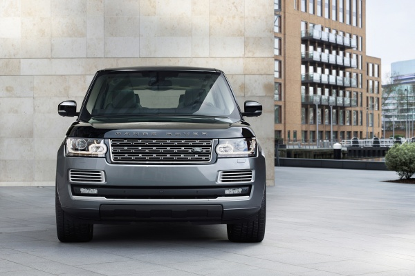 Cel mai tare Range Rover - SVAutobiography 2015 fata
