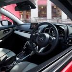 Cele mai bune automobile in Japonia pentru anul 2014 - Mazda 2 interior