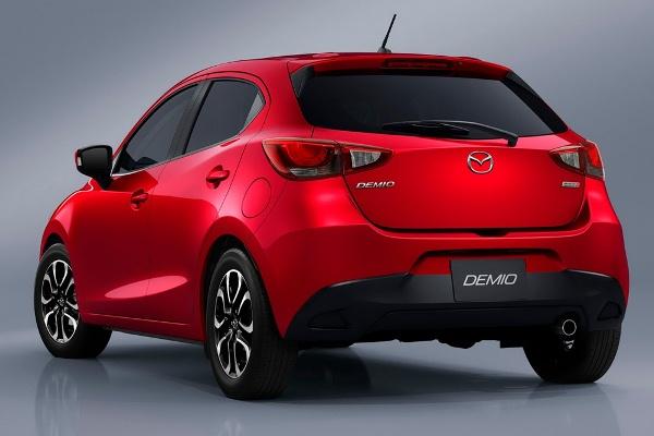 Cele mai bune automobile din Japonia pentru anul 2014 - Mazda 2 spate