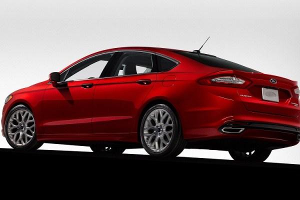 Ford Fusion - versiune americana pentru noul Ford Mondeo 2014 spate