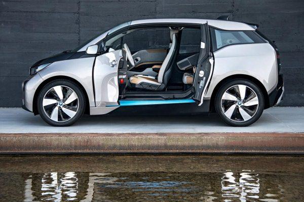 Masini electrice BMW i3 lateral