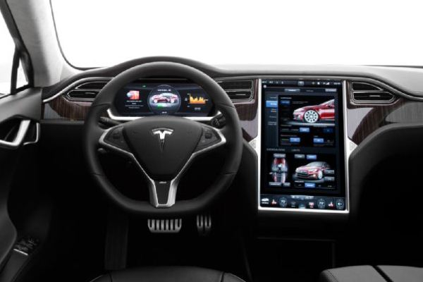 Masini electrice Tesla Model S interior