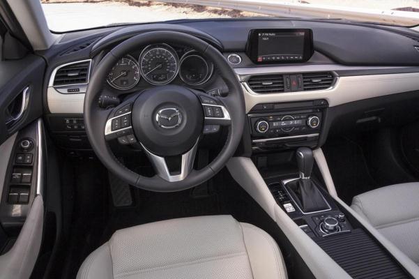 Mazda 6 2015 facelift break interior consola centrala