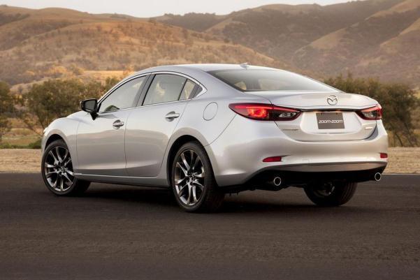 Mazda 6 2015 facelift silver metallic lateral faruri LED