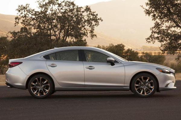 Mazda 6 2015 facelift silver metallic lateral