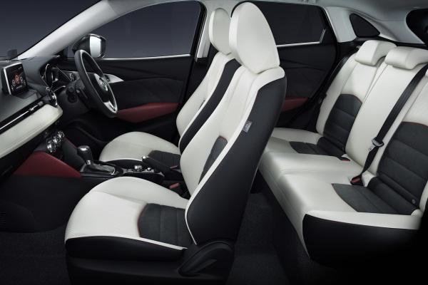Mazda CX-3 2015 foto 2 interior