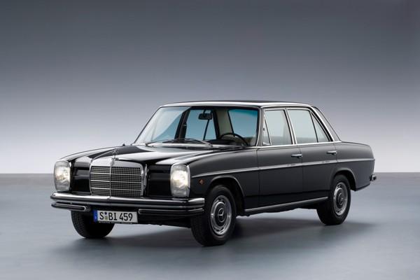 Mercedes W114 foto