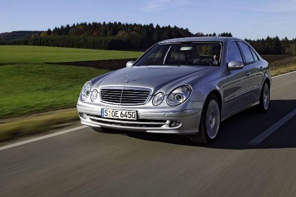 Mercedes W211 foto
