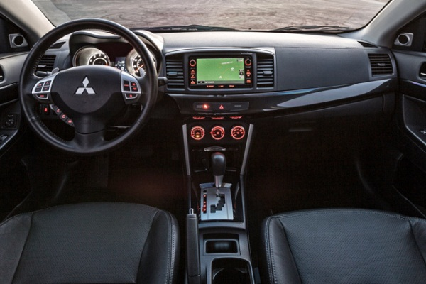 Mitsubishi Lancer 2016 facelift interior