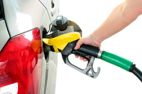 Motor diesel ori motor pe benzina