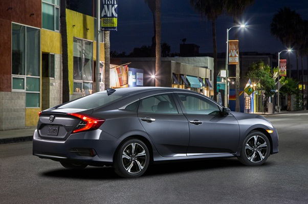 Noua Honda Civic 10 sedan 2015 foto