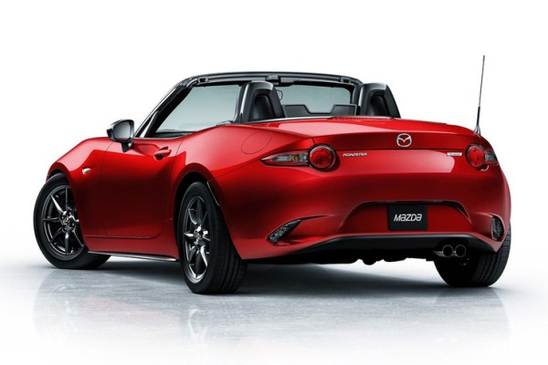 Noua Mazda MX-5 2015 spate