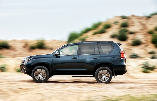 Noua Toyota Land Cruiser Prado facelift 2017 lateral