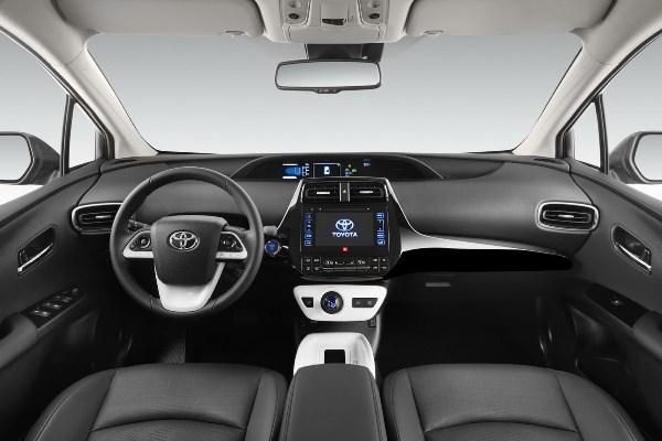 Noua Toyota Prius 4