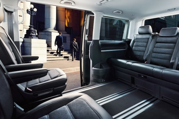 Noul Transporter T6 2015 interior spate