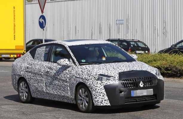 Noua generatie Opel Corsa sedan foto