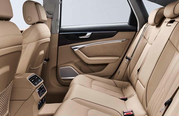 Noul Audi A6 2018 interior spate
