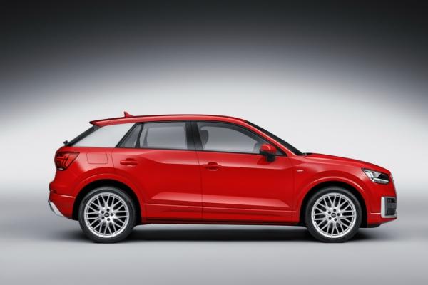 Noul Audi Q2 lateral