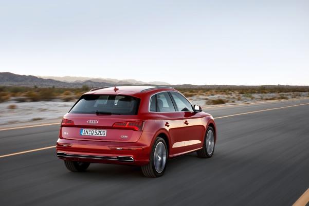 Noul Audi Q5 spate