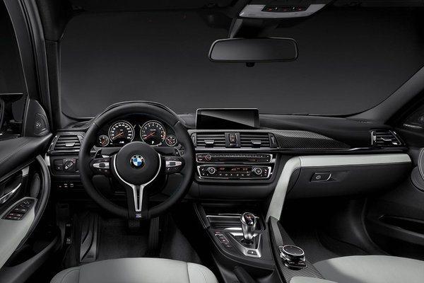 Noul BMW M3 si noul BMW M4 interior