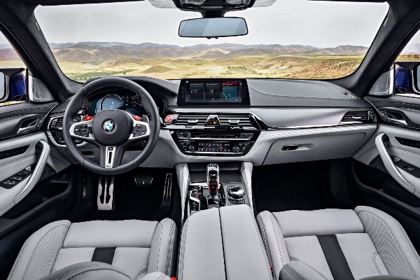Noul BMW M5 foto interior