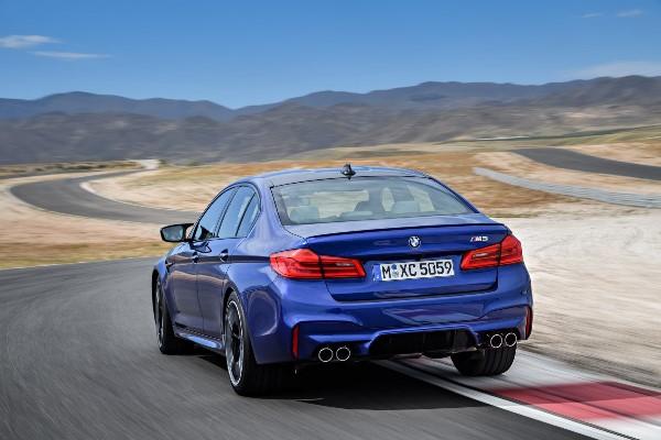 Noul BMW M5 foto spate