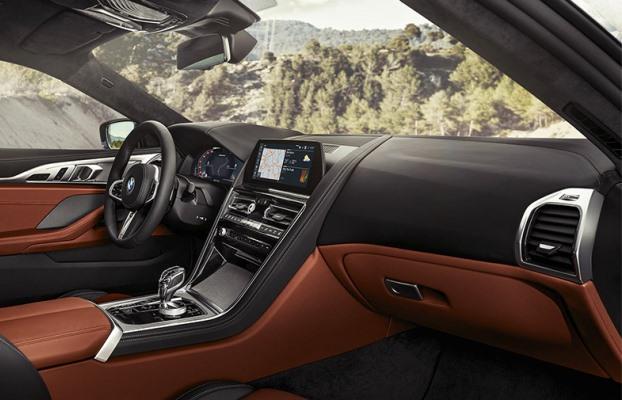 Noul BMW Seria 8 interior