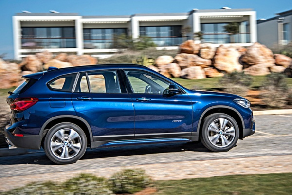 Noul BMW X1 blue lateral foto