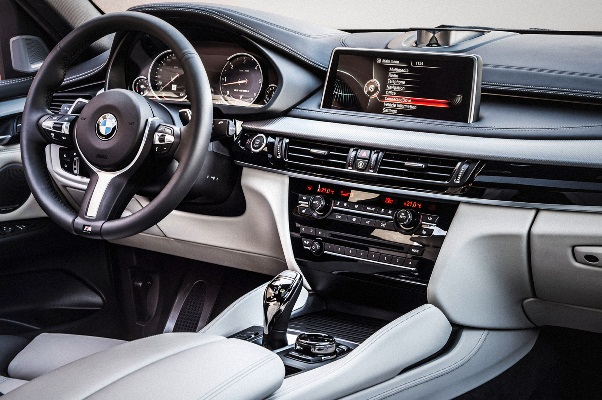 Noul BMW X6 2 interior