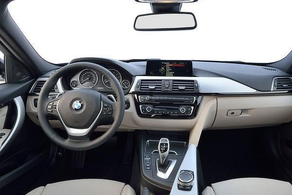 Noul BMW seria 3 2015 interior