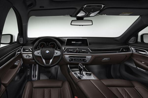 Noul BMW seria 7 2015 interior