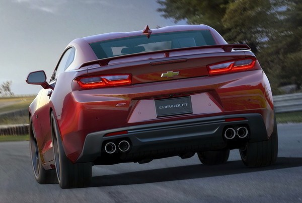 Noul Chevrolet Camaro 2016 spate
