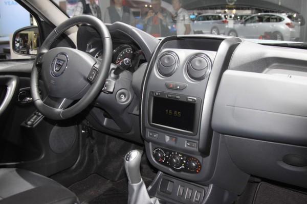 Noul Duster 2013 facelift interior