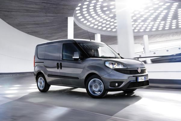 Noul Fiat Doblo 2014 facelift lateral