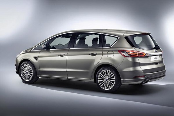 Noul Ford S-Max 2015 lateral