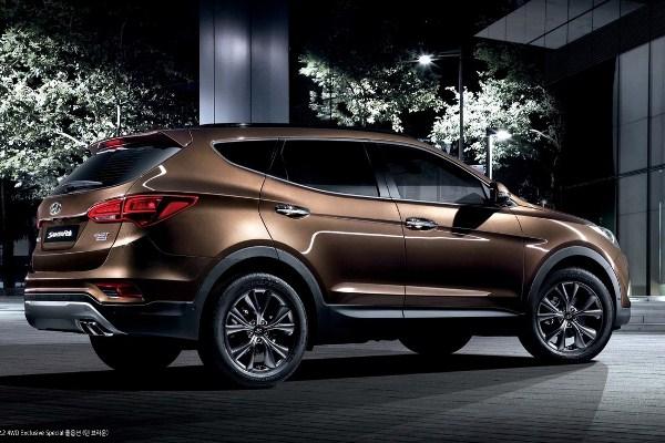 Noul Hyundai Santa Fe 2015 facelift spate