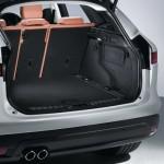 Noul Jaguar F-Pace - primul SUV Jaguar foto portbagaj