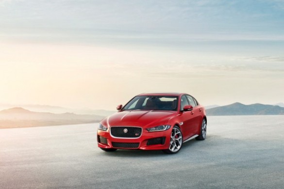 Noul Jaguar XE 2015