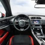 Noul Jaguar XE 2015 interior
