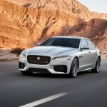 Noul Jaguar XF 2015 in motion