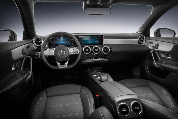 Noul Mercedes A Class 2018 interior