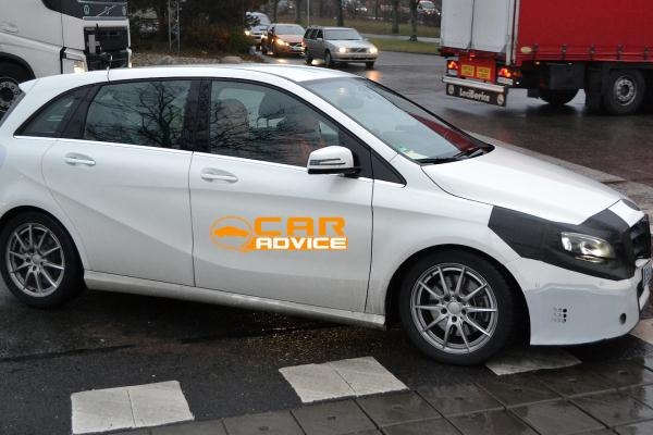 Noul Mercedes B Class facelift lateral
