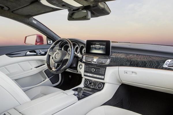 Noul Mercedes CLS facelift panou de bord