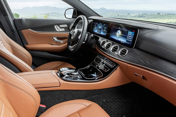 Noul Mercedes E-Class Estate 2016 interior