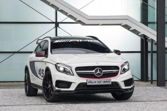 Noul Mercedes GLA 45 AMG