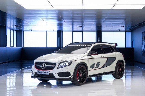Noul Mercedes GLA 45 AMG fata
